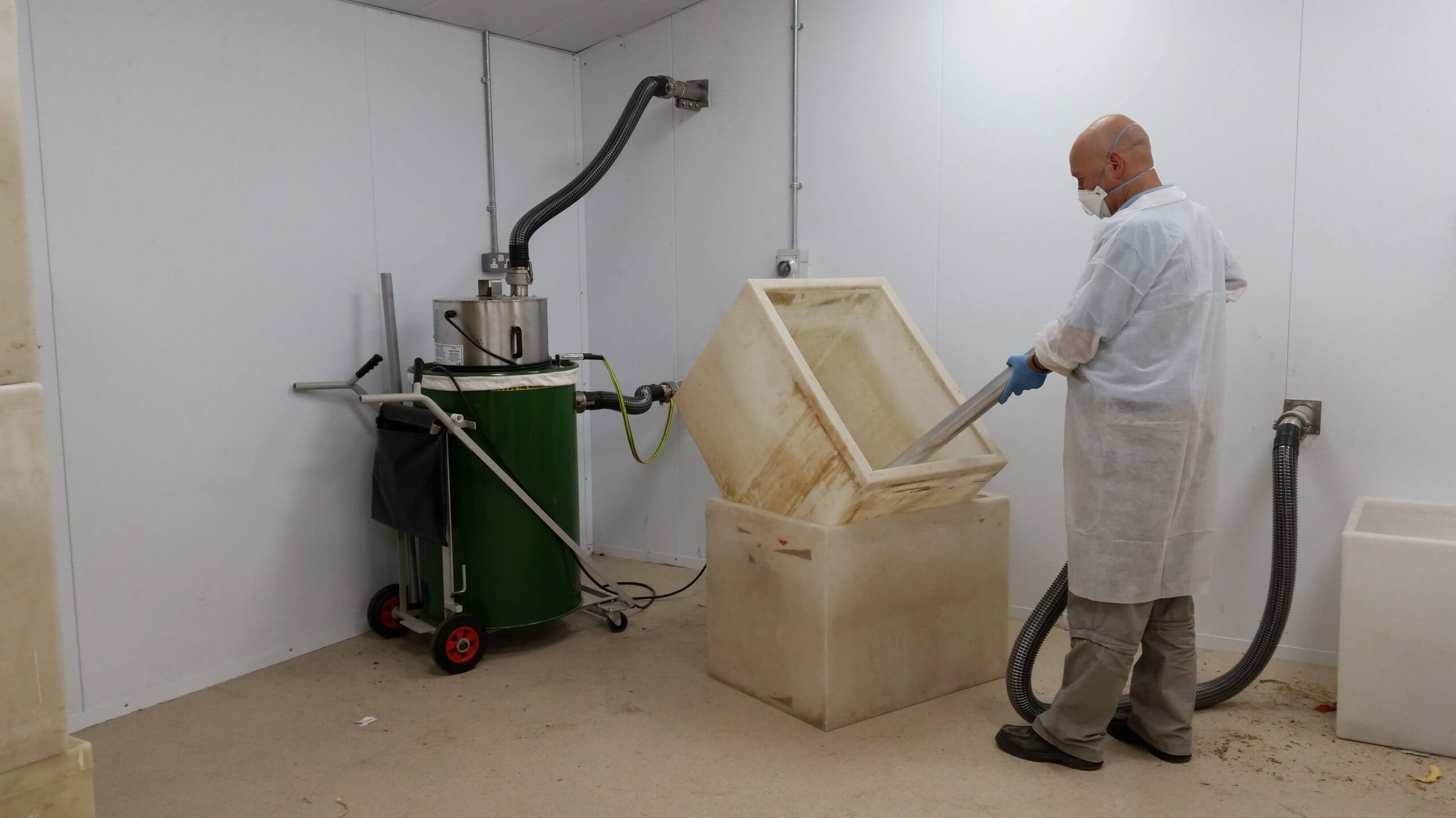 Peregrine Livefoods Cleaning Out Insect Bins With The Big Brute Industrial Vacuum Cleaner