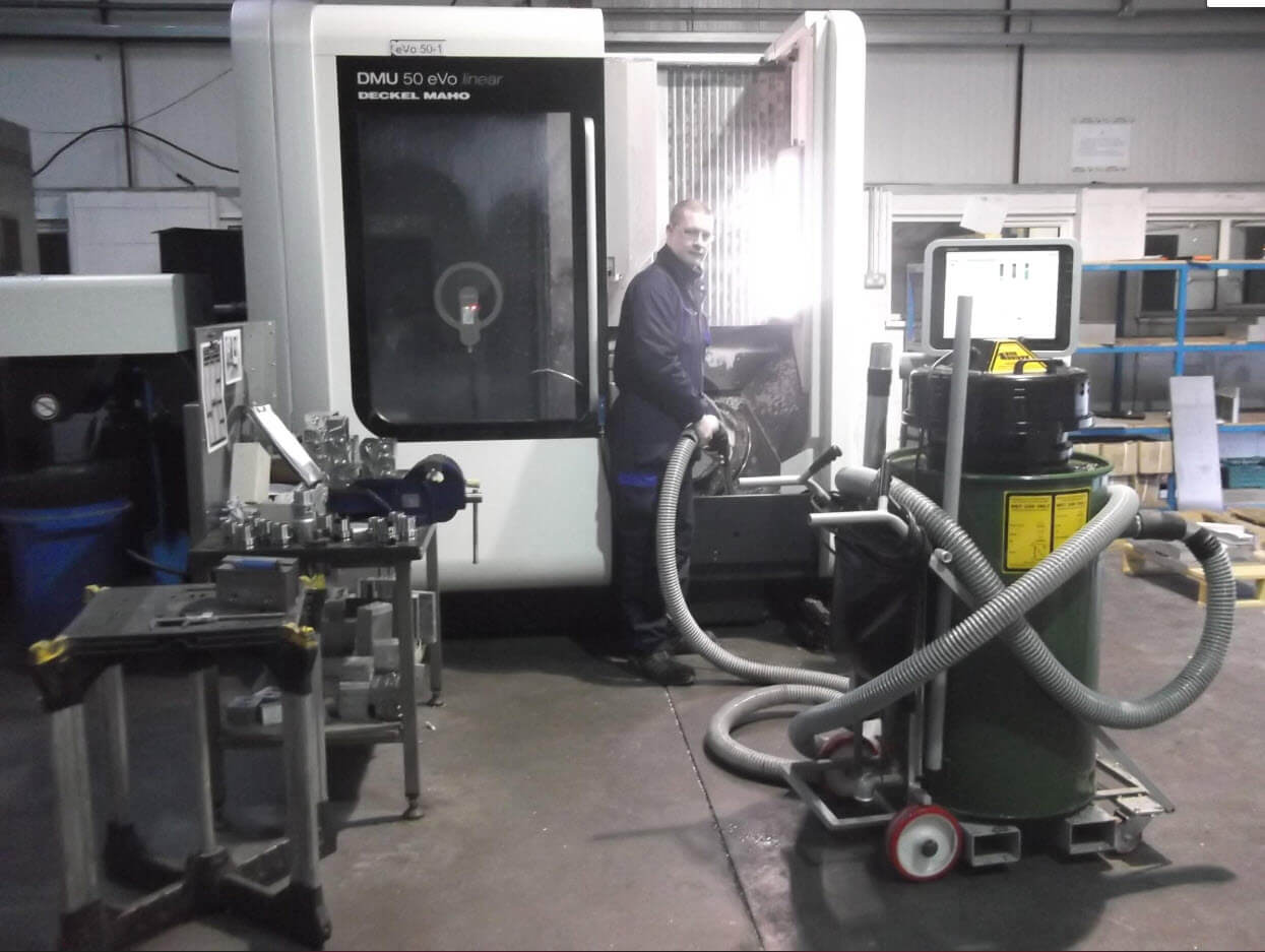 Recovering Coolant from a 5-Axis CNC Machine With The Big Brute Swarfman Industrial Vacuum Cleaner